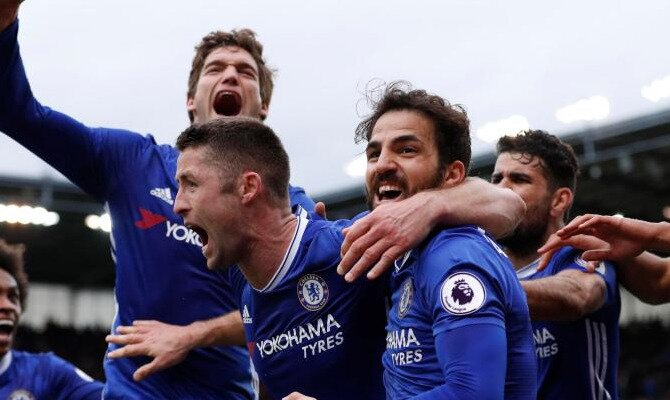 Jugadores del Chelsea celebrando un gol eufóricos. Conoce los pronósticos del Chelsea vs Burnley.