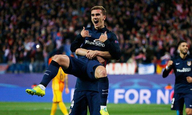 Griezmann celebra un tanto con el Atleti. Conoce las cuotas del FC Barcelona vs Atlético de Madrid.