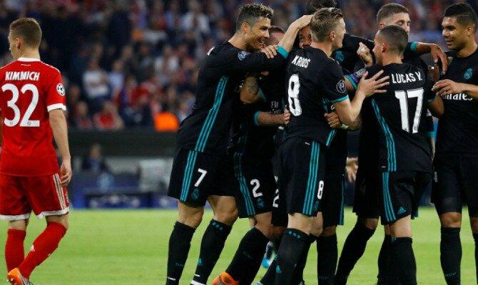 Los jugadores del Madrid celebran un gol. Conoce las cuotas del Real Madrid vs Bayern Munich.