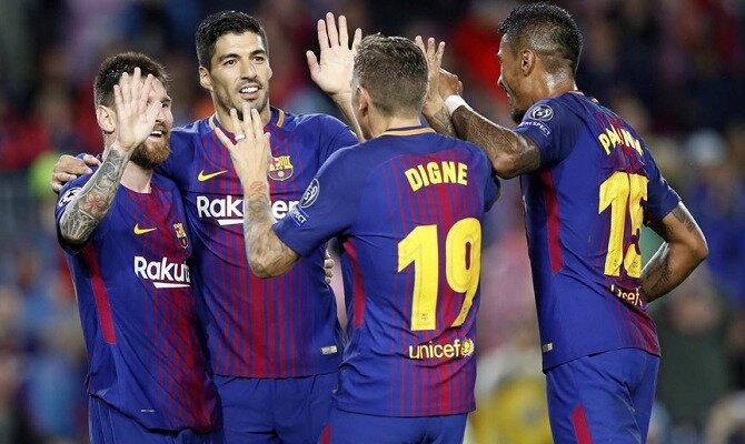 Luis Suárez y Messi celebran un gol. Conoce las cuotas del FC Barcelona vs AS Roma.