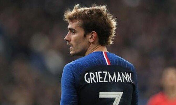 Antoine Griezmann con la camiseta de su selección. Conoce las cuotas del Francia vs Italia.