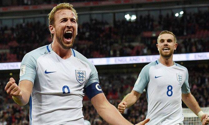 Harry Kane (izquierda) chilla y celebra un gol. Conoce las cuotas del Inglaterra Vs Panamá.