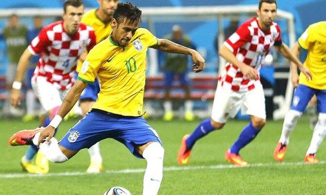 Neymar lanza un penalti. Los brasileños son favoritos en las cuotas del Brasil vs Croacia.