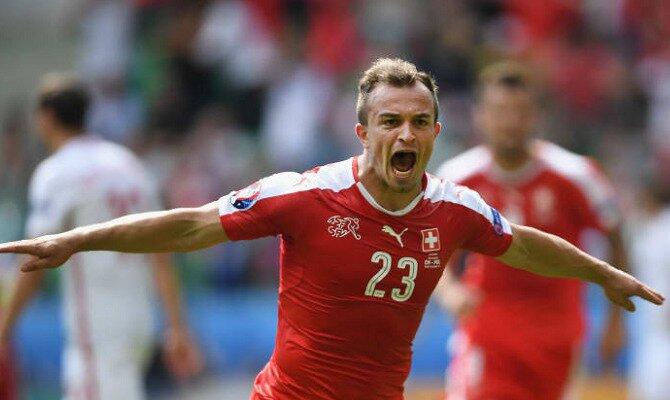 Xherdan Shaqiri celebra un gol con su selección. Conoce las cuotas del Suiza vs Costa Rica