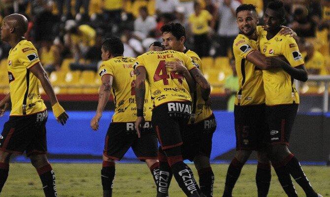 Varios jugadores de Barcelona SC celebrando un gol. Conoce los pronósticos del Barcelona SC Vs Guayaquil City.