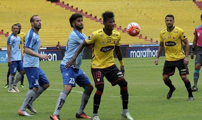 Deportivo Macará y Barcelona SC