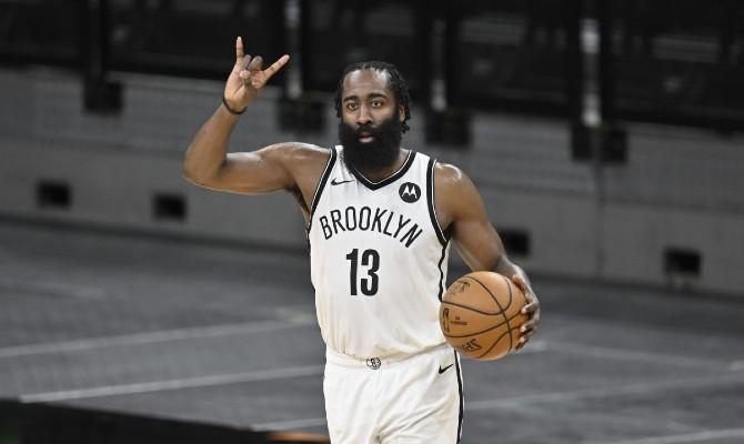 James Harden, en la imagen, y sus compañeros son los favoritos en las apuestas para el Brooklyn Nets vs Detroit Pistons