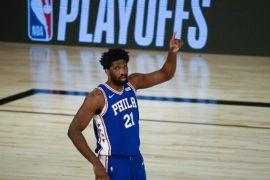 En el Milwaukee Bucks vs Philadelphia 76ers, los locales buscan recortar distancias